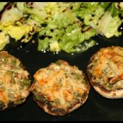 Champignons farcis, viande hachée & poivron vert